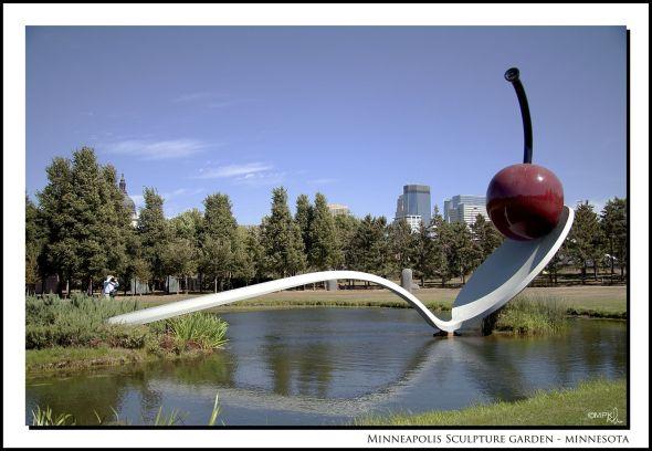 0883 sculture garden 3d border text